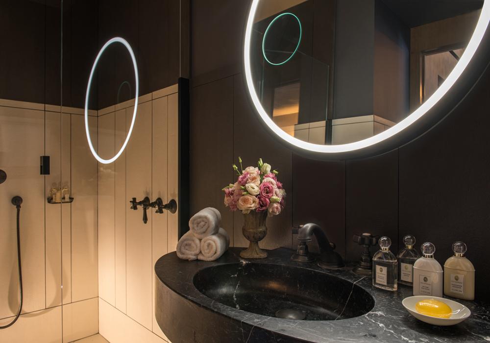 Salle de bain Junior suite hotel Place des Vosges