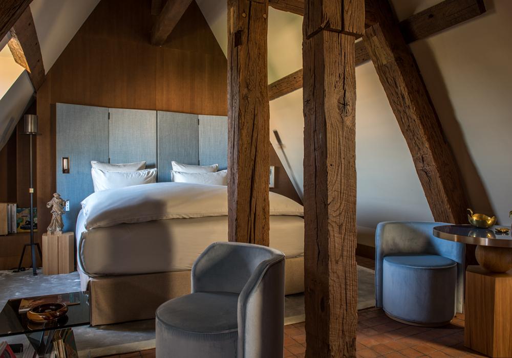 chambre luxe sous les toits place des vosges