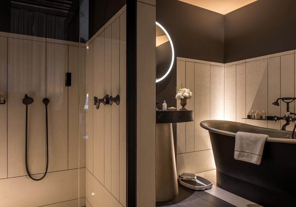 salle de bain hotel de luxe, suite deluxe