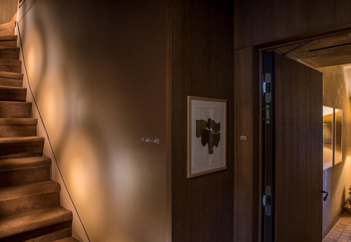 Couloir hôtel de luxe Cour des Vosges Paris