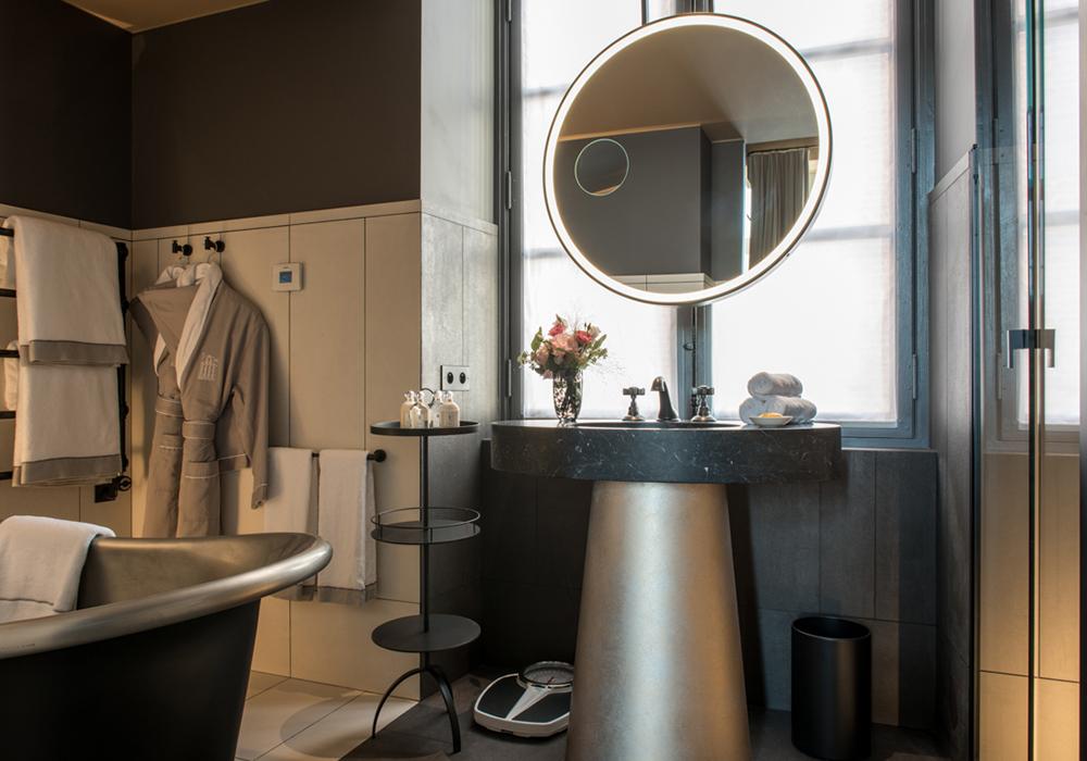 Cour_des_Vosges_Salle-de-bain-103_Hotel-de-luxe_Gdelaubier