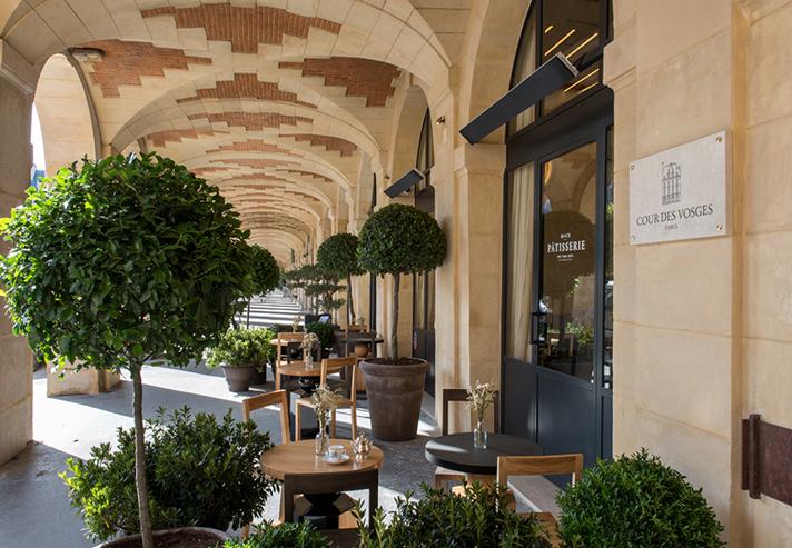 Cour des Vosges Salon de thé Paris Marais place des Vosges