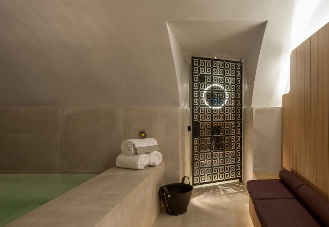 Spa et bain romain, hôtel de luxe Place des Vosges